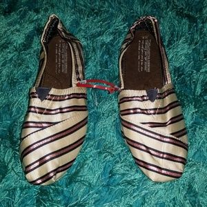 9773192cf Toms shoes Toms Toms ...